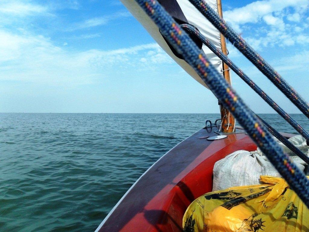 В походе яхтенном, начало, 23 августа, море Азовское 002