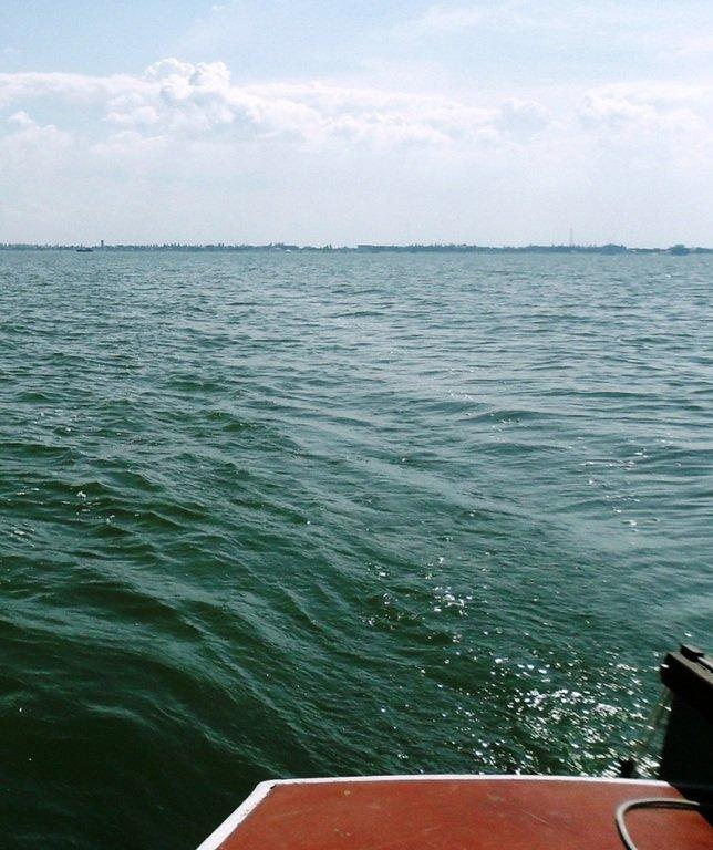В море, на яхте, у Ачуевской косы, август...002. 010