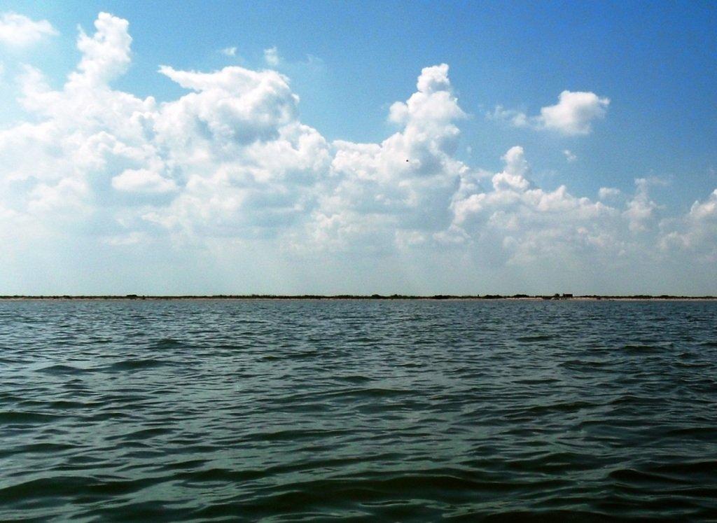 В море, на яхте, у Ачуевской косы, август...002. 009