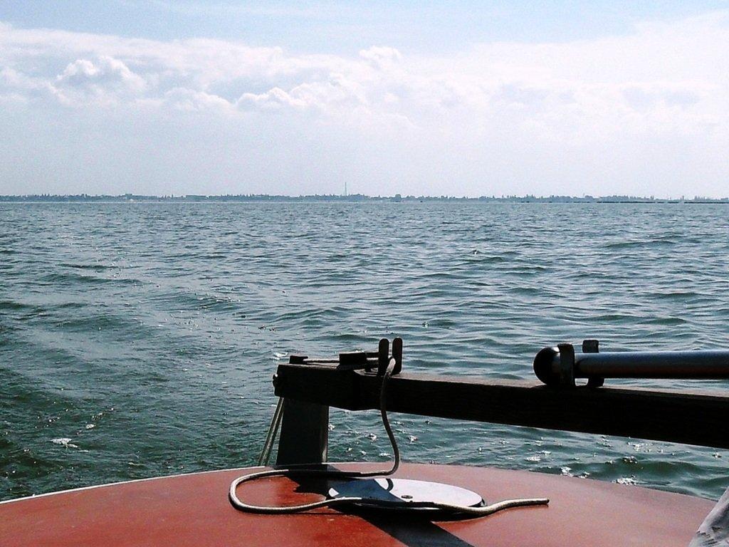 В море, на яхте, у Ачуевской косы, август...002. 004
