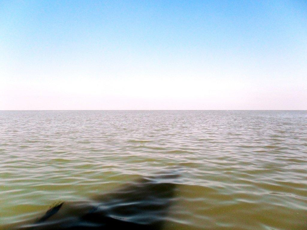 У Ачуевской косы, в яхтенном походе, август, с парусом... 003. 010