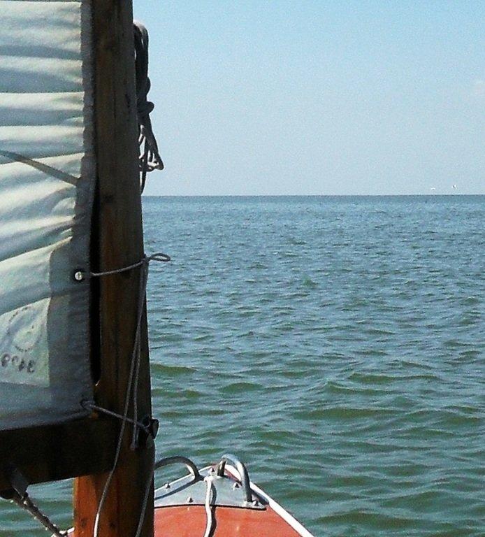 На яхте, в походе, август, море Азовское... 004. 010