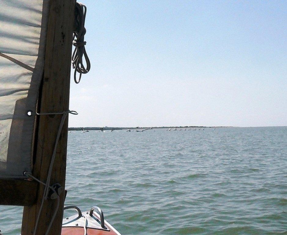 На яхте, в походе, август, море Азовское... 004. 009