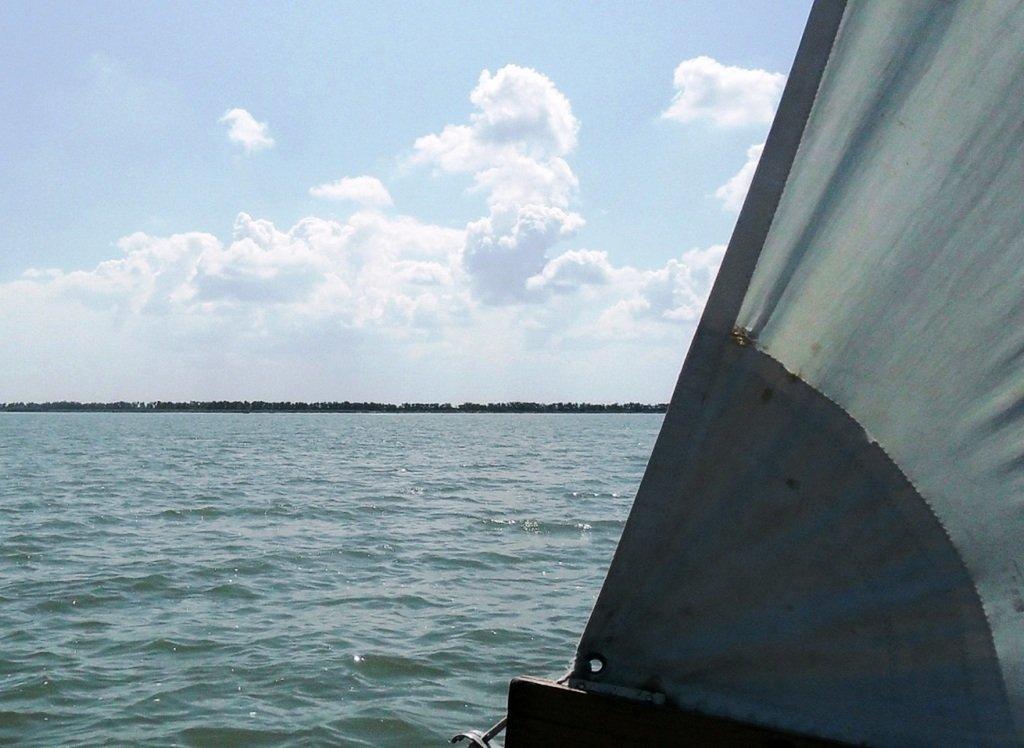 На яхте, в походе, август, море Азовское... 004. 007