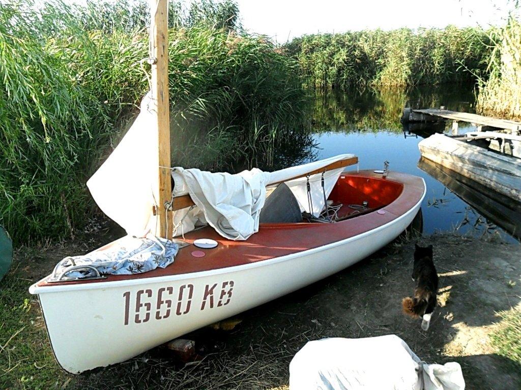 На стоянке яхтенной, туризм, Ачуевская коса, Приазовье. 014. 001