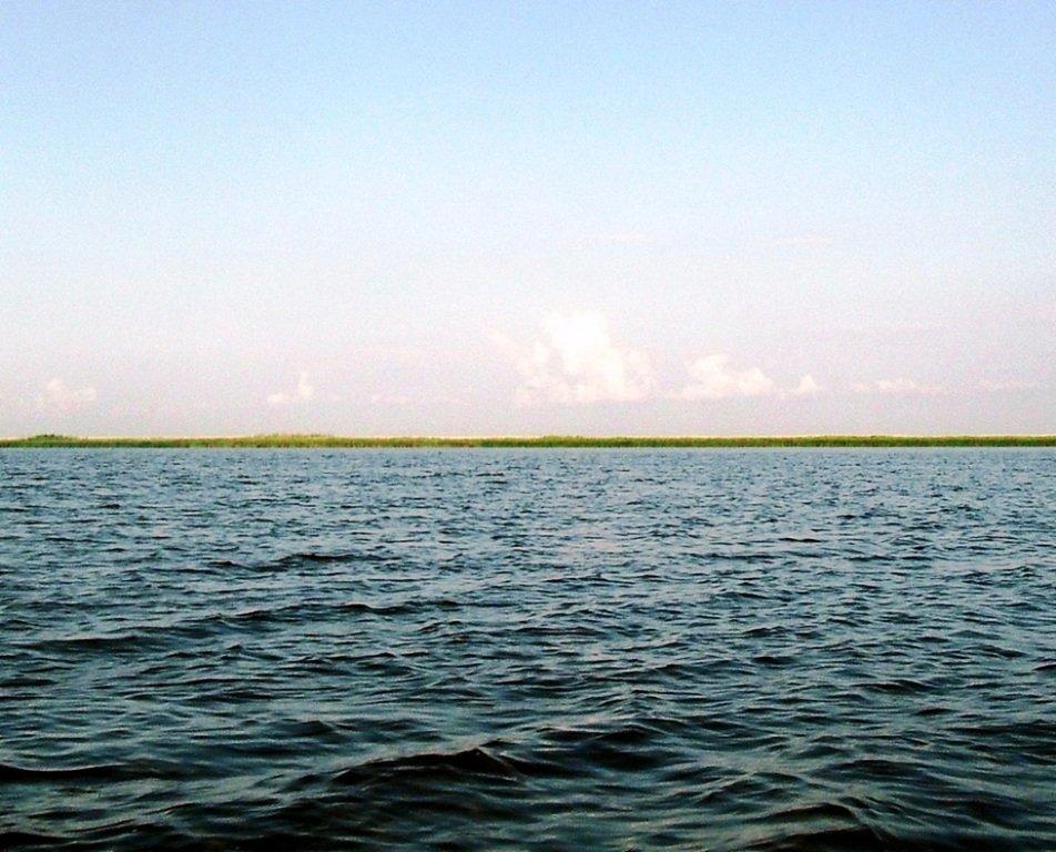 Утро, в походе яхтенном, Ачуевская коса, на водных дорогах... 015. 012