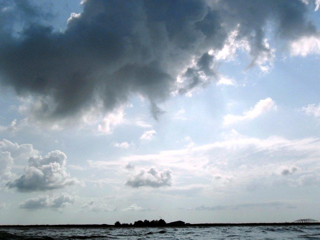 В море, при хорошем ветре, волнение, облачность... 018. 012
