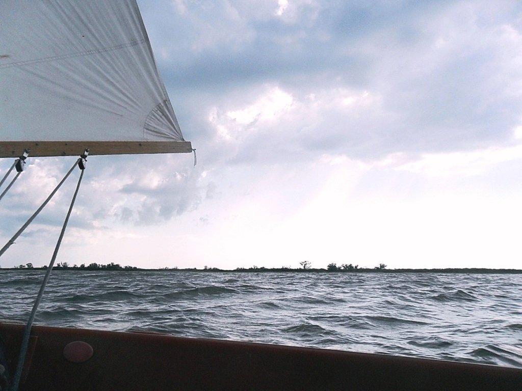 В море, при хорошем ветре, волнение, облачность... 018. 004