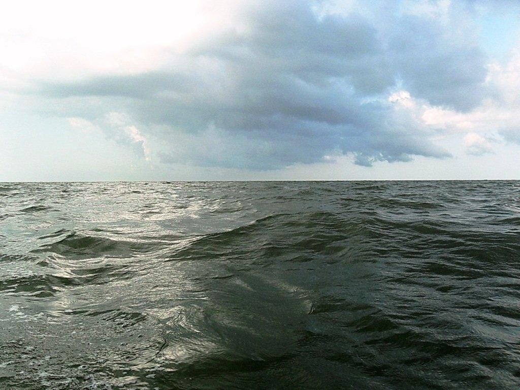 В море, при хорошем ветре, волнение, облачность... 018. 005