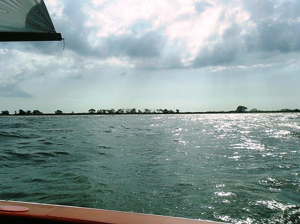 В море, при хорошем ветре, волнение, облачность... 018. 008
