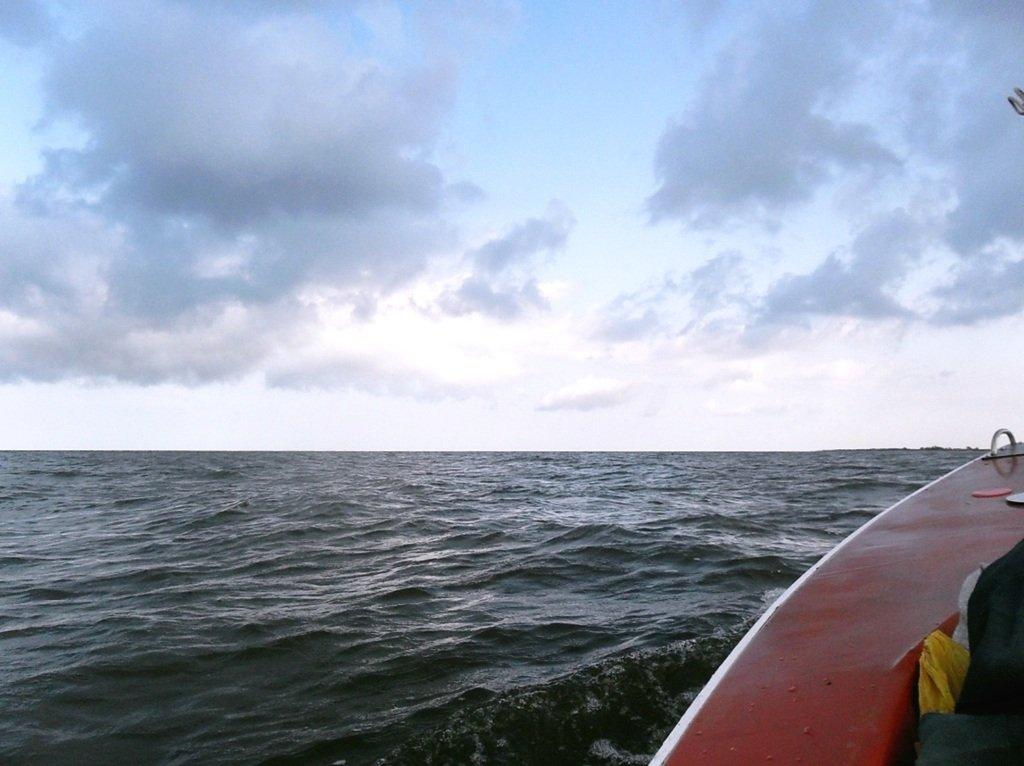 В море, при хорошем ветре, волнение, облачность... 018. 003