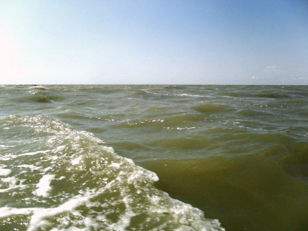 На яхте, в море, волна и ветер, с парусом... 020. 012