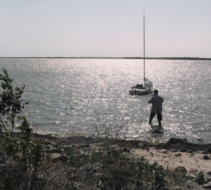 У Ясенской косы, в проливе Бейсугском, на Ясенской Переправе, с яхтой... 021. 007