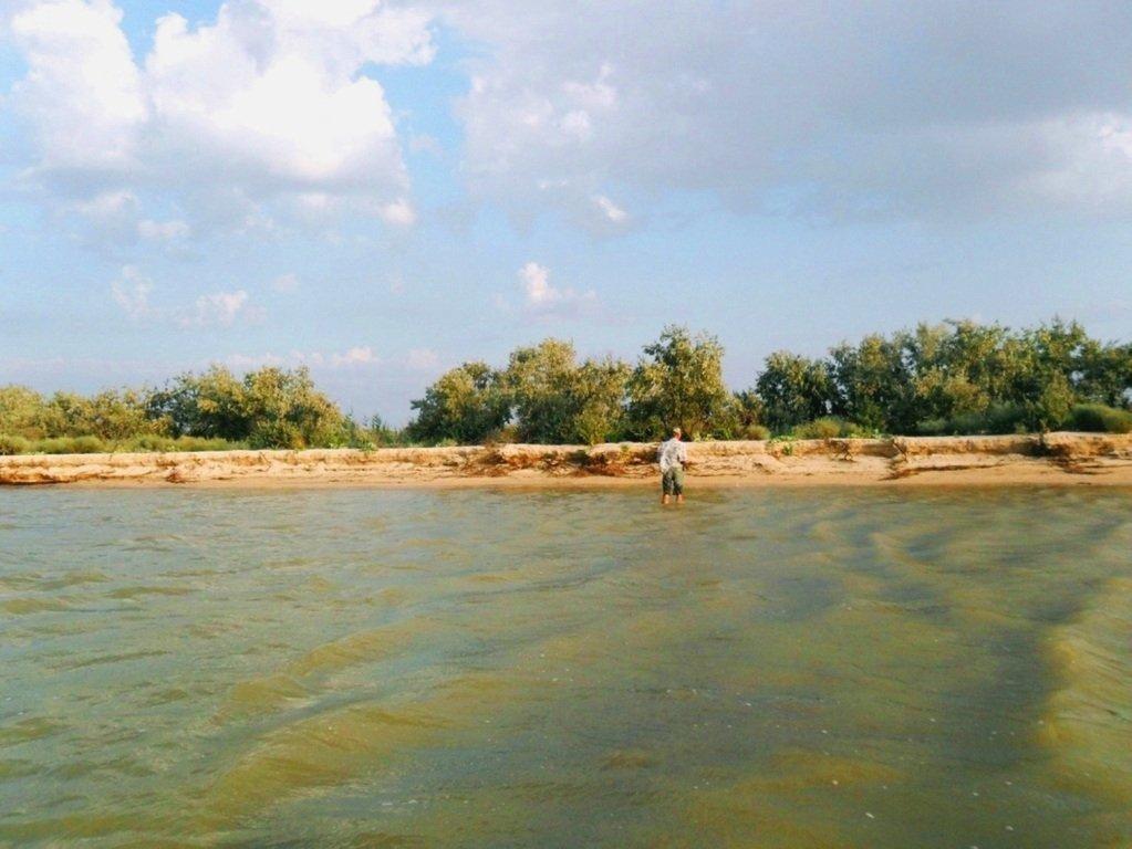 У моря, на Ясенской косе, в яхтенном походе, август... 023. 008