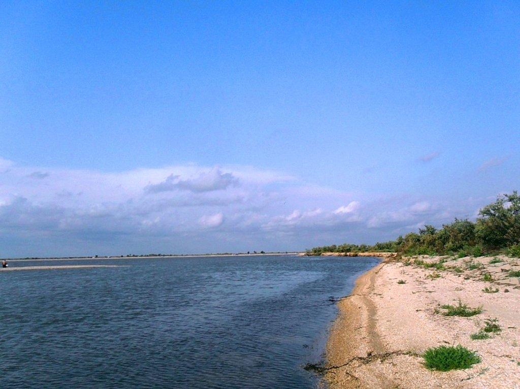 У моря, на Ясенской косе, в яхтенном походе, август... 023. 004