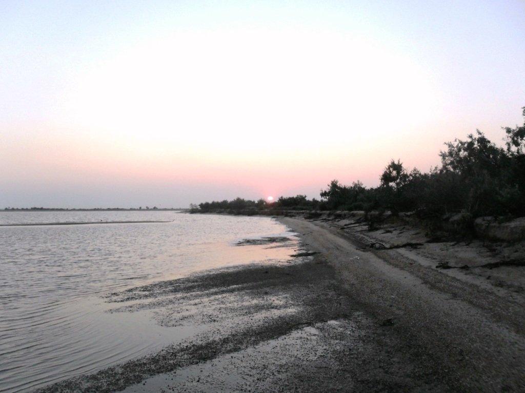 Утро раннее, на Ясенской косе, в походе, август... 026. 004