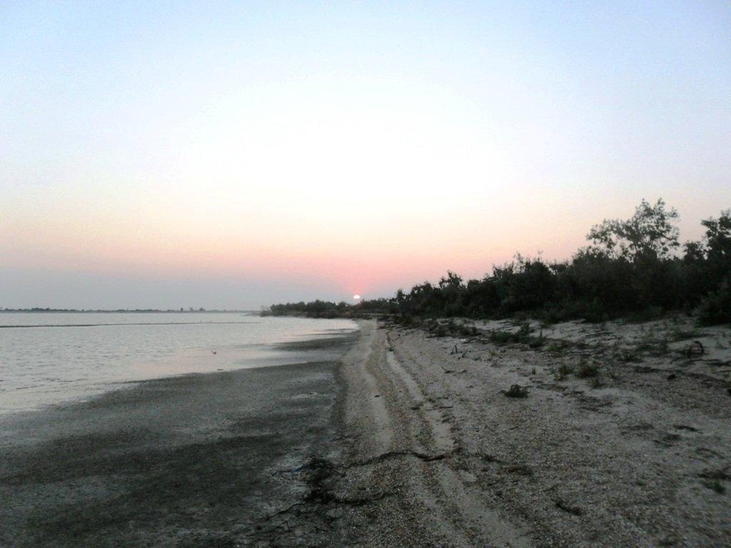 Утро раннее, на Ясенской косе, в походе, август... 026. 003