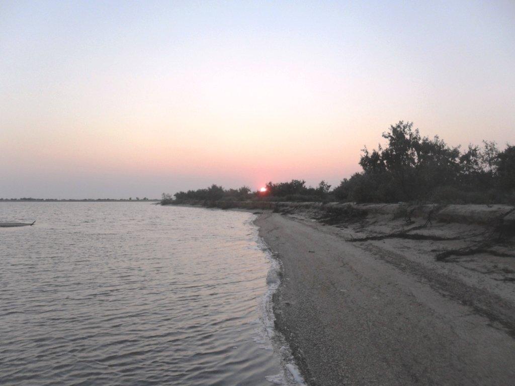 Утро раннее, на Ясенской косе, в походе, август... 026. 005