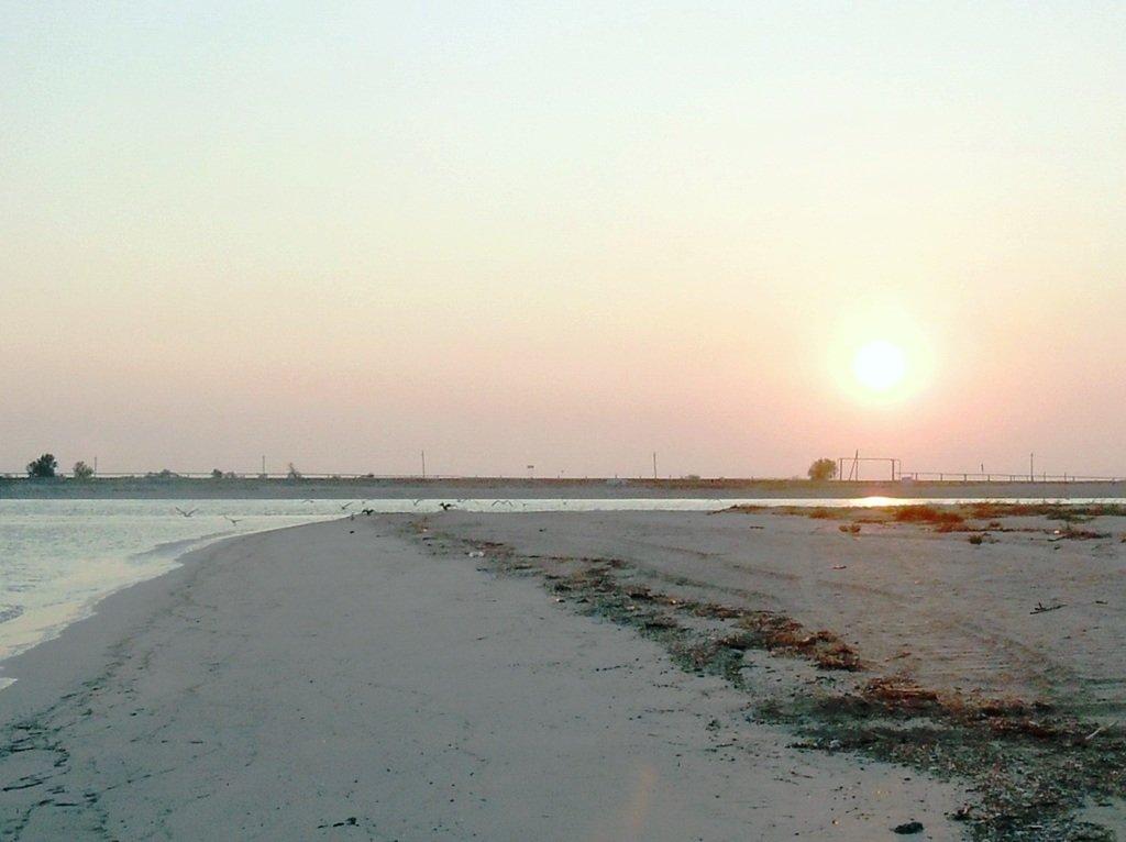 Утро, в августе, у пролива, на Ясенской косе... 027. 006
