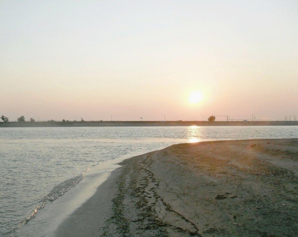 Утро, в августе, у пролива, на Ясенской косе... 027. 009