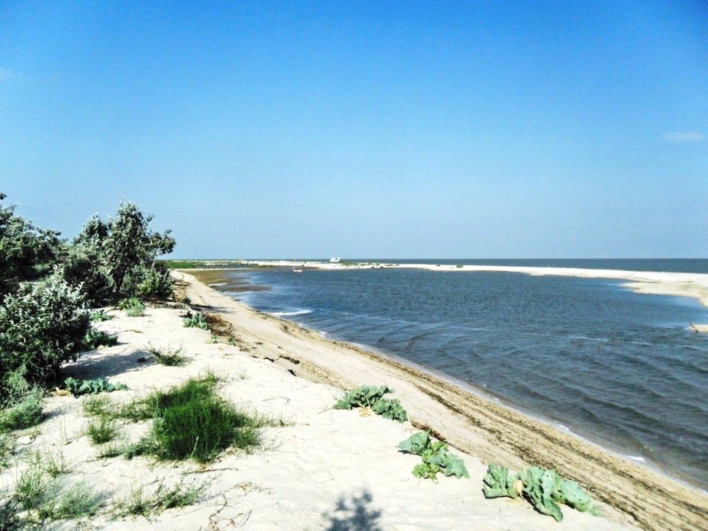 День солнечный, в походе, у моря, на косе Ясенской... 030. 003