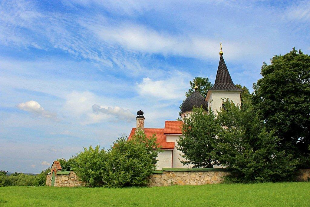 Троицкая церковь в селе Бехово