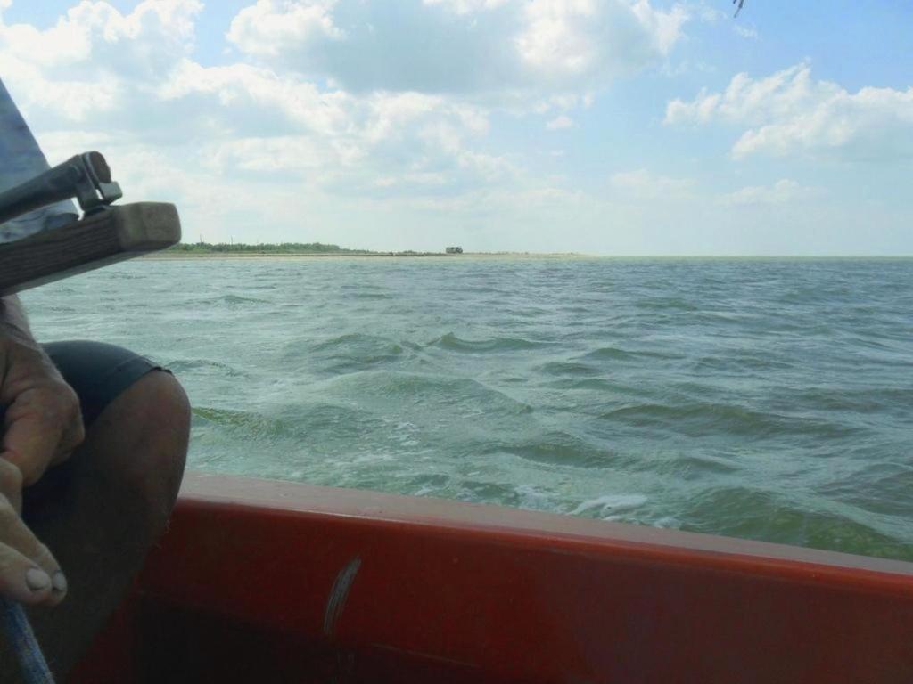 Выход в море, с парусом, в проливе, у Азовских берегов... 034. 002