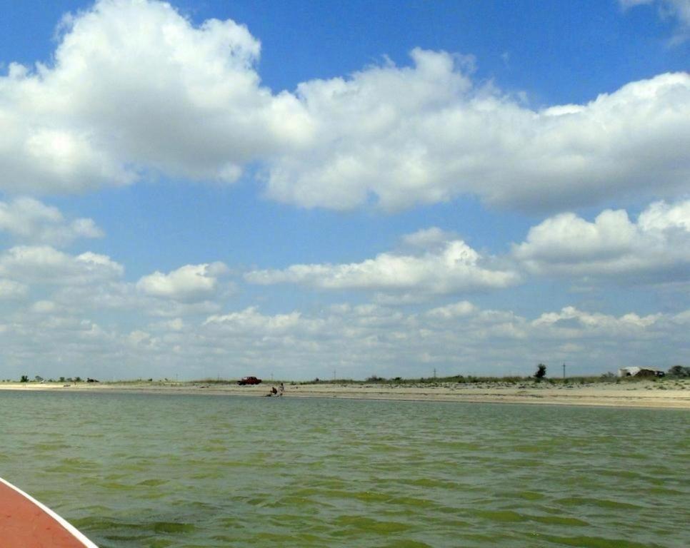 Выход в море, с парусом, в проливе, у Азовских берегов... 034. 006
