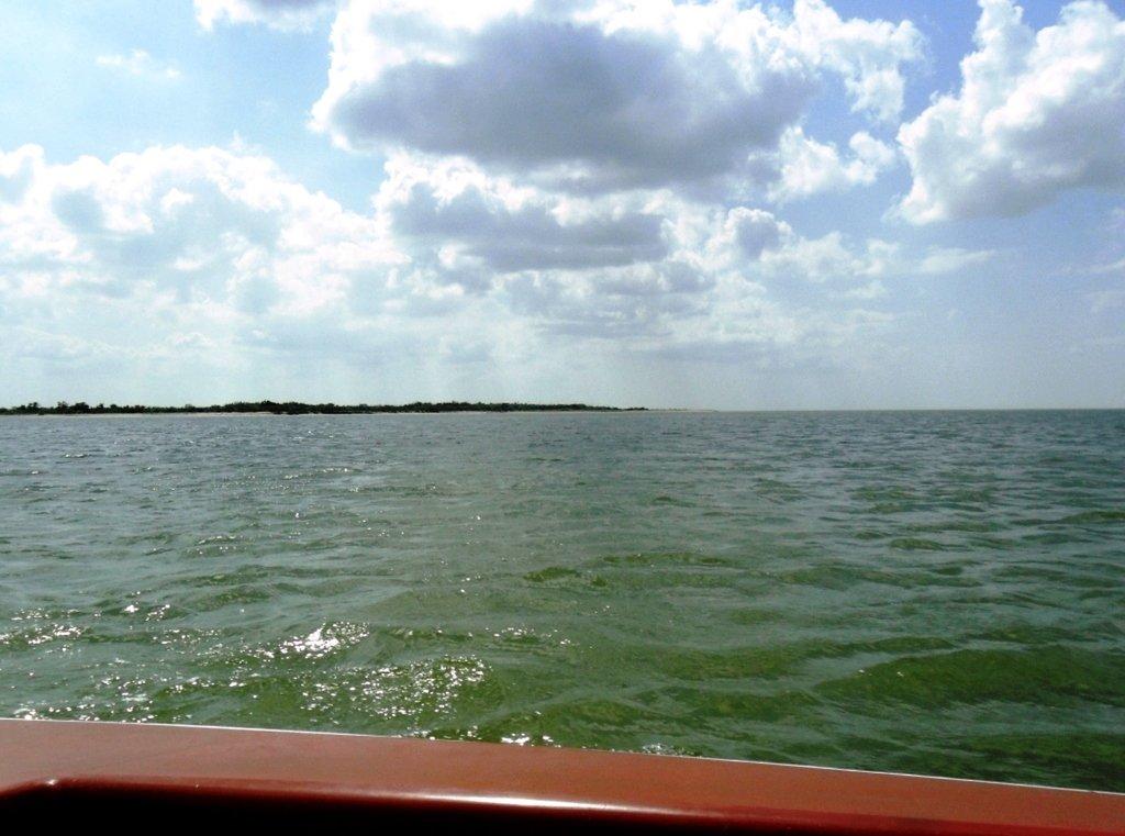 Выход в море, с парусом, в проливе, у Азовских берегов... 034. 005