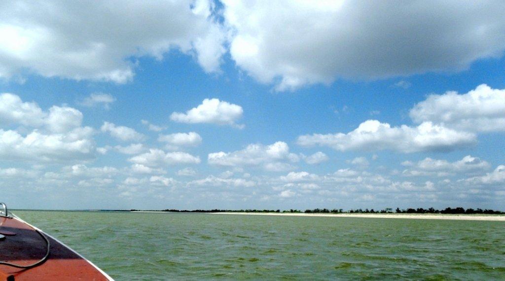 Выход в море, с парусом, в проливе, у Азовских берегов... 034. 011
