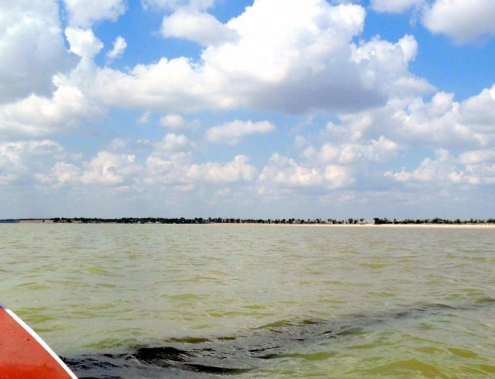 На морском просторе, солнечный день, у Азовских берегов, в августе... 035. 003