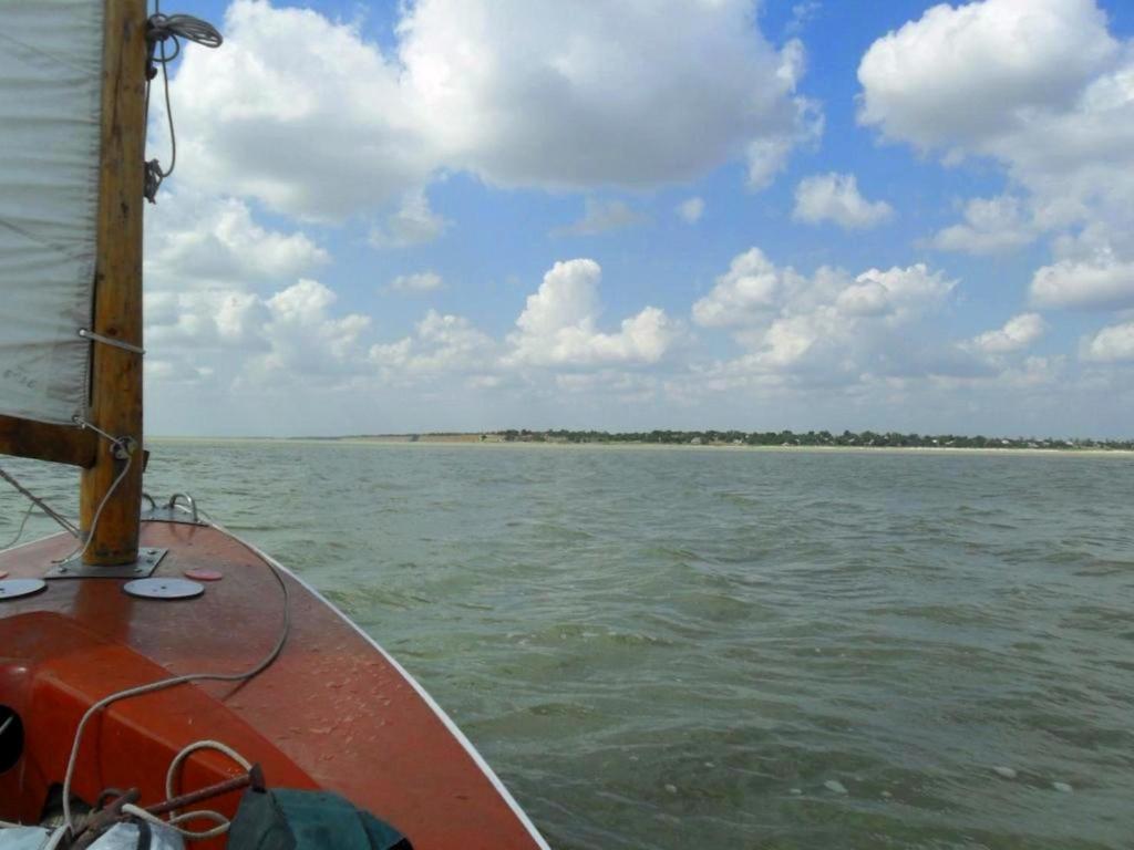 На морском просторе, солнечный день, у Азовских берегов, в августе... 035. 007