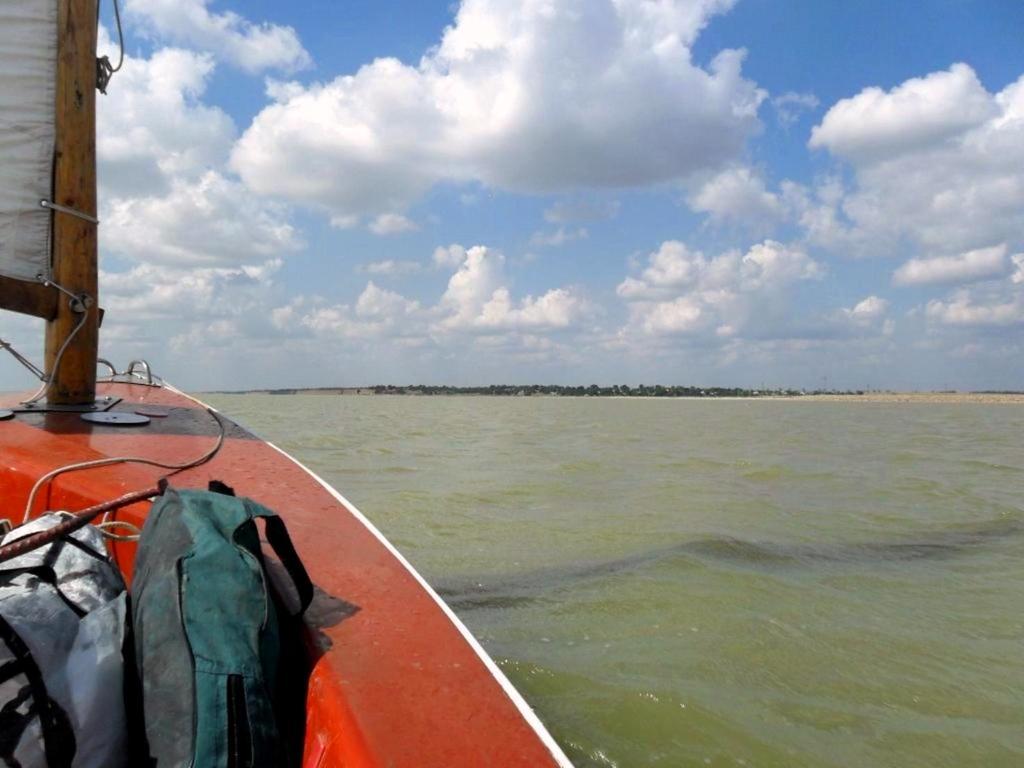 На морском просторе, солнечный день, у Азовских берегов, в августе... 035. 005