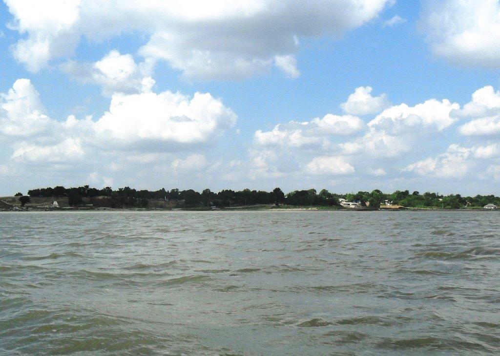 На яхте, море Азовское, у Шиловки, август... 037. 001