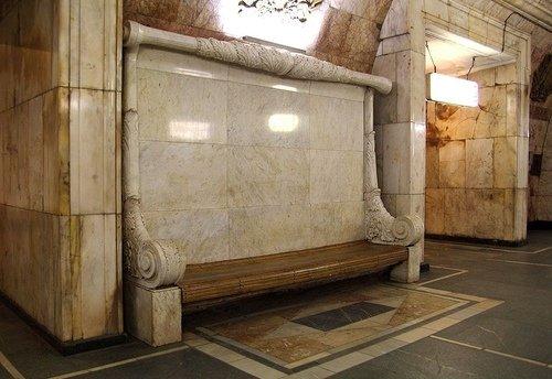 Скамьи из храма Христа Спасителя.