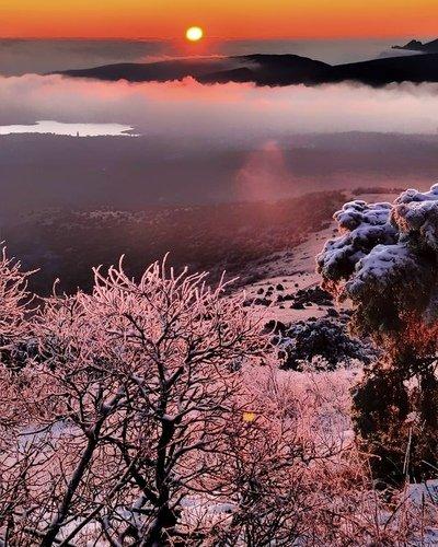 Морозный рассвет у Старого Крыма.