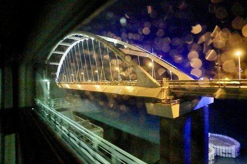 Крымский мост из окна вагона.