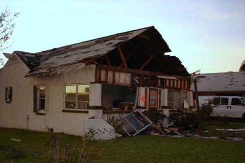 После урагана во Флориде