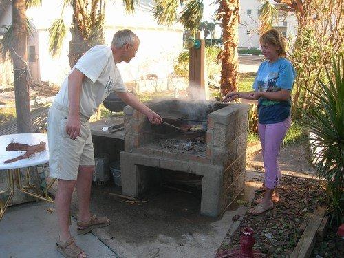 Флорида. После урагана пищу готовили только в печке...