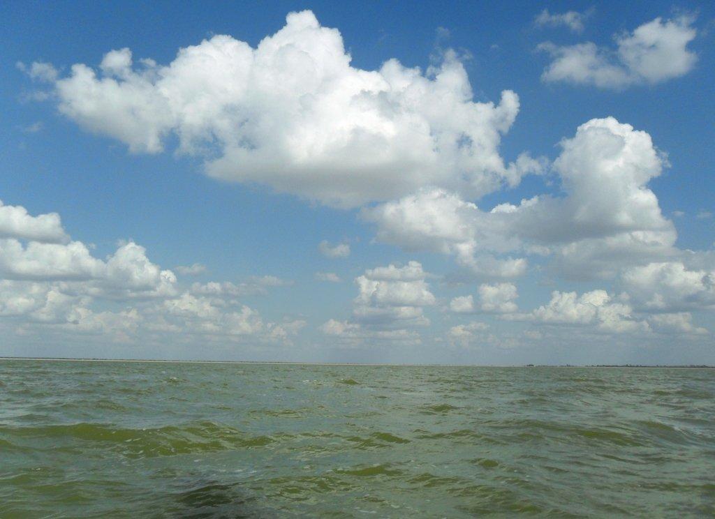 В море, под облаками, август, с парусом... 039. 012