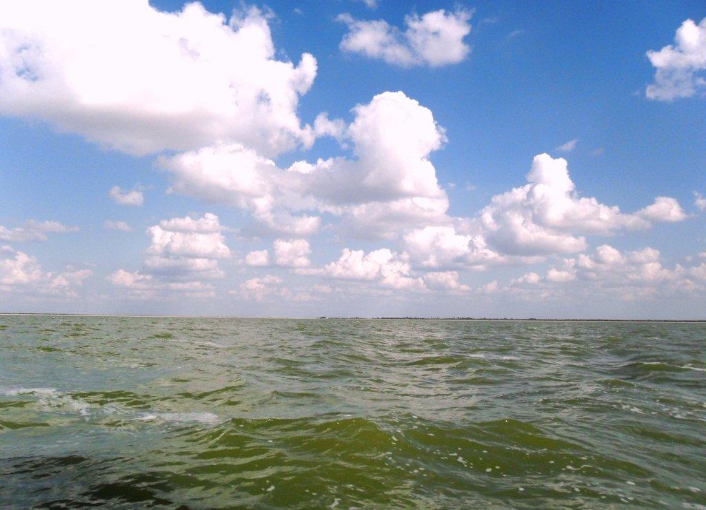 В море, под облаками, август, с парусом... 039. 011