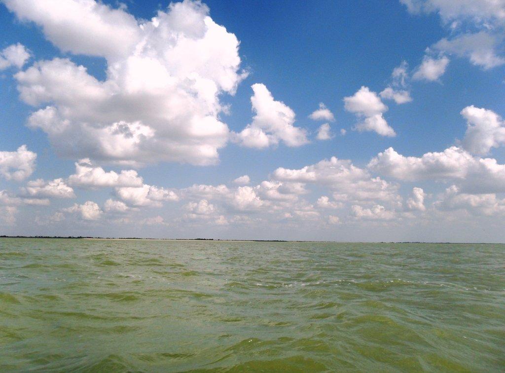 В море, под облаками, август, с парусом... 039. 008