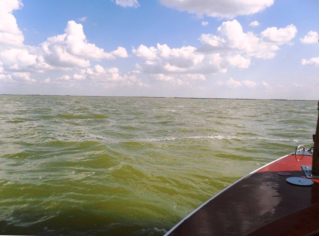 В море, под облаками, август, с парусом... 039. 010