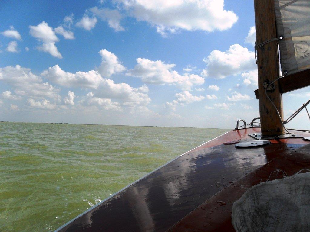 В море, под облаками, август, с парусом... 039. 009