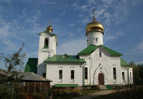 Церковь Воздвижения Честного Креста Господня в Дашково-Песочне