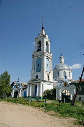 Церковь Вознесения Господня в Красном