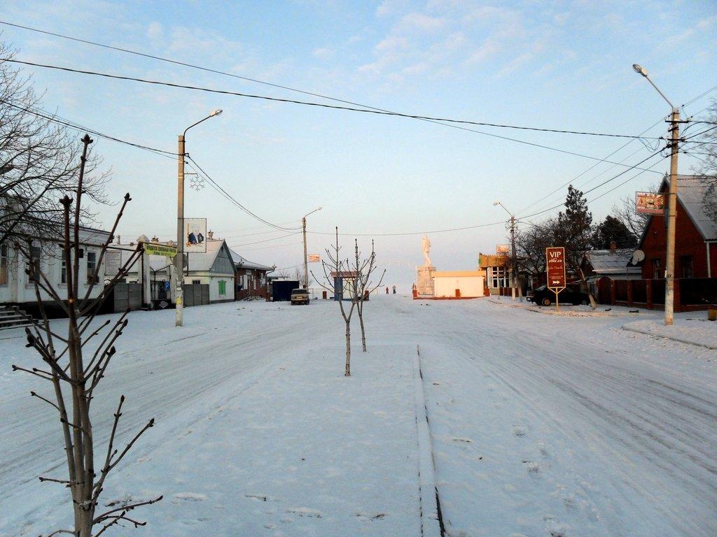 Перед выходом на лёд, туристы в походе... Город в снегу, февраль... 001. 001. 005
