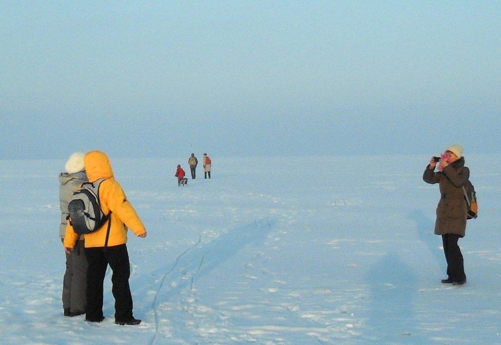 На зимних берегах, у моря Азовского, в походе... 001. 003. 011