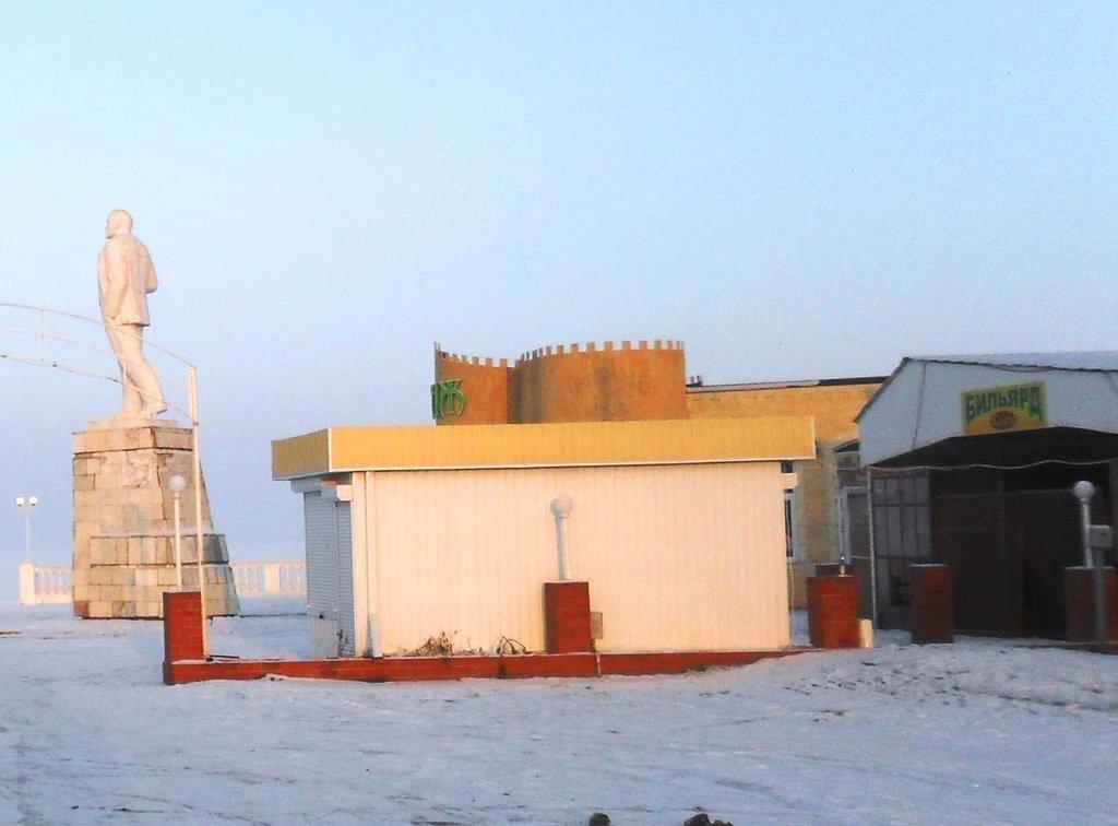 На зимних берегах, у моря Азовского, в походе... 001. 003. 004
