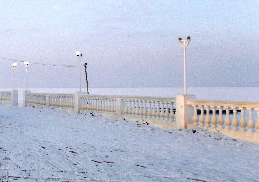 На зимних берегах, у моря Азовского, в походе... 001. 003. 006